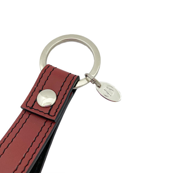 DETAIL KEYCHAIN COLOUR WINE RED BLACK - DOUBLE STITCHED