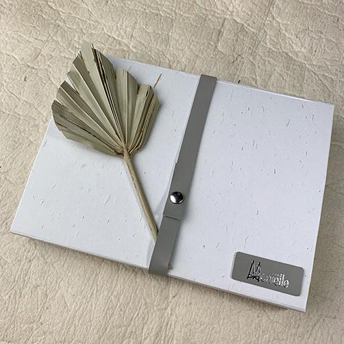 Geschenkverpakking zero tree cadeaubox gemaakt van stro